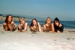 LOS ANGELES - APRIL 1976: Rock band 'The Runaways' pose for a portrait on the beach in April of 1976. (L-R) Lita Ford, Cherie Currie, Jackie Fox, Sandy West and Joan Jett.(Photo by Michael Ochs Archives/Getty Images)